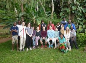13 Gruppenfoto in Gonja Tansania 2014 1791
