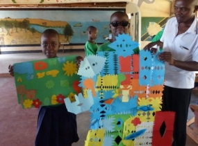 1 kreative Basteleien Tansania 2014 982