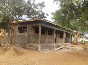 9 neues Computergebäude, mit unseren Spenden finanziert
